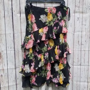 Chaps Women's Flowered Skirt. Size Large